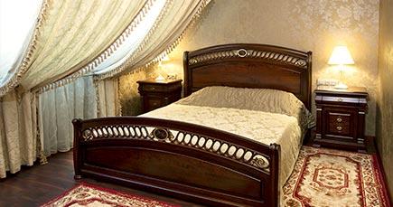 Hotel helicopter in kremenchug ukraine mansard room for Mansard room